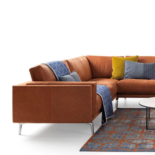 Leolux Bellice - een conceptbank waar u zelf de afmetingen kan kiezen uit een ruim gamma elementen. Alleen zo maken wij voor u de sofa die perfect past in uw leefruimte. Kom langs in Knokke-Heist